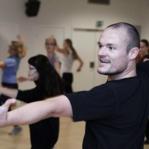 Har du lyst til at få dans-i-livet uden at skulle danse med en partner?