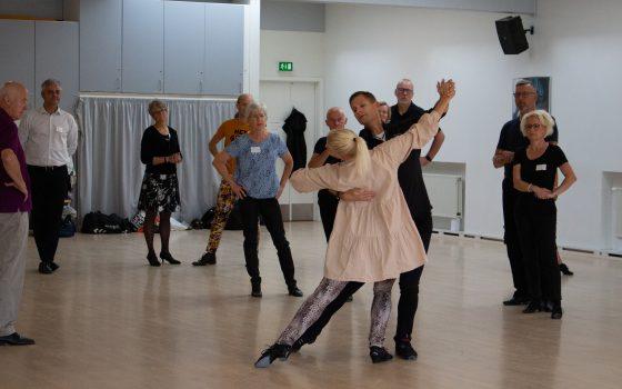 Danseopstart udskydes til 1. marts