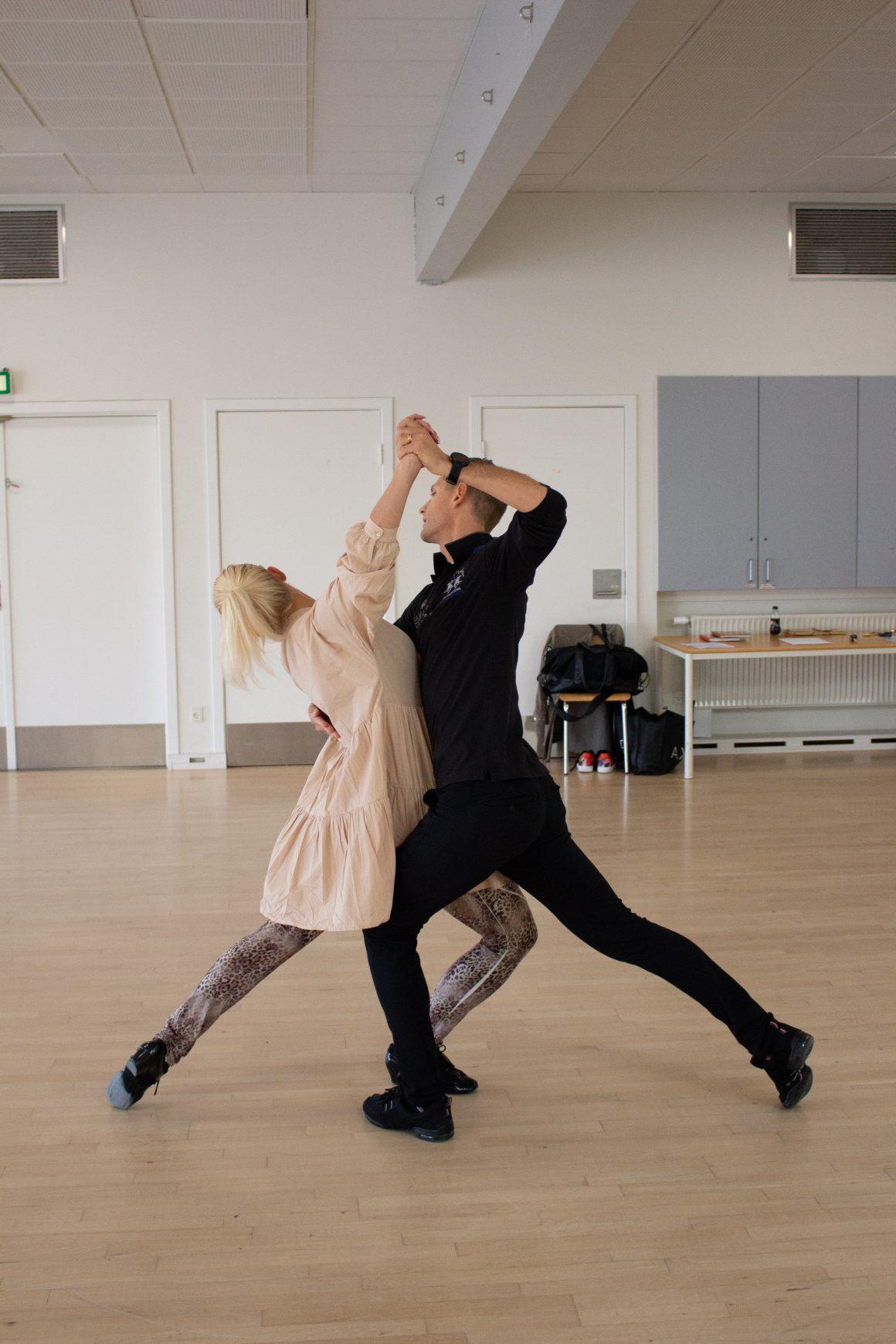 Radich & Holde giver igen danselærere 'dans-i-livet'!