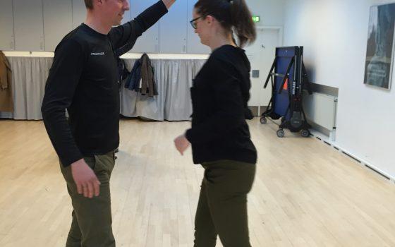 Nytårsfortsæt? Få dans i livet hos Radich & Holde!